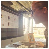 Jill aan het ontwerpen